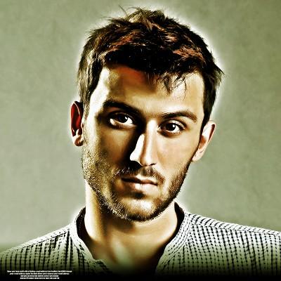 Aroosi Shadmehr Aghili